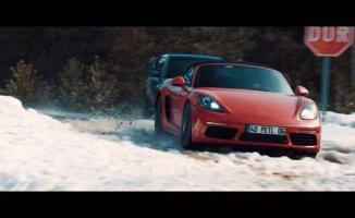 Petlas reklamındaki Porsche'ye sahip olma fırsatı