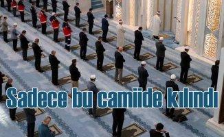 Türkiye'de bayram namazı sadece bu camide kılındı