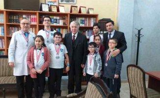 Ahmet Şimşek Koleji | Asıl olan öğrencinin sağlığı ve mutluluğu