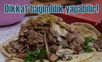 İzmir'in meşhur söğüşü tadına bakanlarda bağımlılım yapıyor
