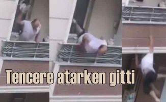 Balkondan tencere atarken düştü, sosyal medyada gündem oldu
