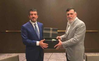 Karanfil | Libya'nın yanında olarak, dünyaya örnek olmalıyız