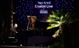 'Yapı Kredi Crystal Live By Divan' Konserleri Başladı