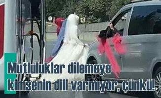 Düğün diye yolu kapattılar, maskesiz halaya durdular