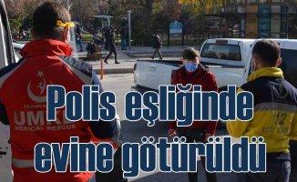 Koronalı genç çarşıda gezerken bulundu | Polis çembere aldı