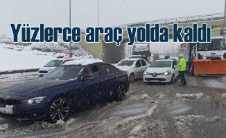 Kara kış ulaşımı aksatıyor |Çok sayıda araç yollarda kaldı