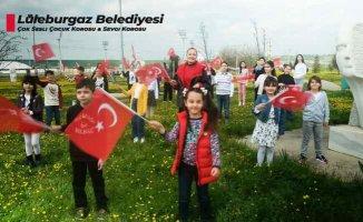 Çocuk koroları Candan Erçetin'le 23 Nisan için söyledi