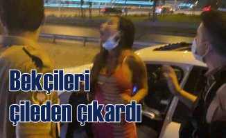 Alkollü sürücü kadın trafiği kilitledi