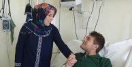 23 yıllık kocasını böbreği ile hayata bağladı