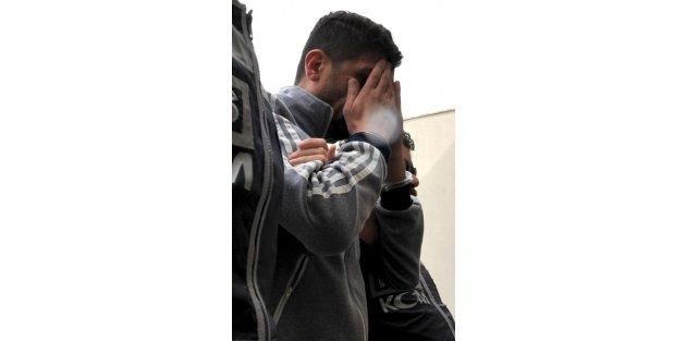 250 gram esrarla yakalanınca tutuklandı
