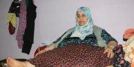 250 kiloyla yataktan kalkamayan kadın, gözyaşlarıyla yardım istedi
