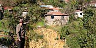 55 Metrelik Obruktan Sonra Evlerin Duvarları Da Çatladi