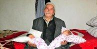 85 yaşında ikiz çocuk sahibi oldu