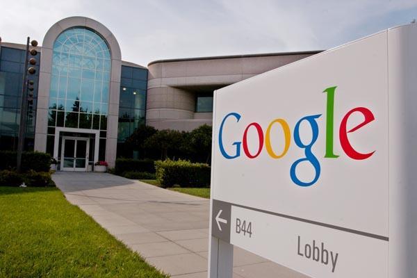 Google, Gmail'deki postaları okuyor