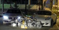 Adana'da lüks otomobillerden 107 kilo esrar çıktı