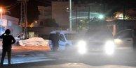 Adana'da polis karakoluna bombalı, molotoflu saldırı