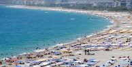 Antalyalılar Kasım ayında denize akın etti