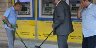 ATM'de kaybolan parayı dedektörle aradılar son çare cinci hoca