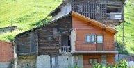 Baba mirası evi motorlu testere ile ikiye böldüler