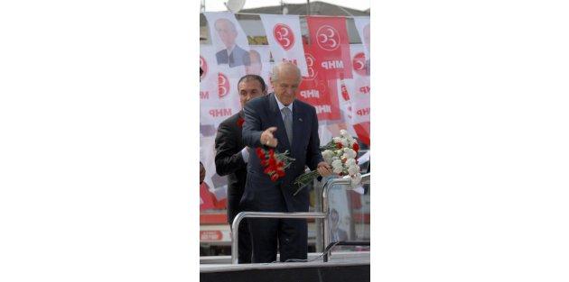 Bahçeliden, Erdoğana: İspat etmezse şerefsizdir