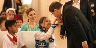Başbakan Davutoğlunun korumalığını 11 yaşındaki Ece yaptı / ek fotoğraflar
