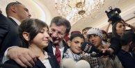 Başbakan Davutoğlunun korumalığını 11 yaşındaki Ece yaptı / fotoğraflar