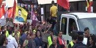 ¬- Belçikada Ermenilerden Papa ve Öcalan dövizleri ile Türkiye protestosu....