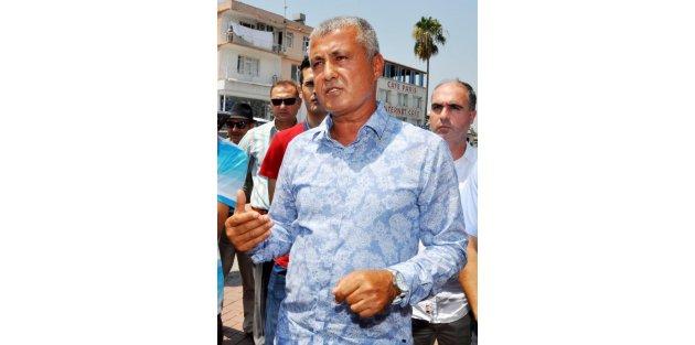 Belediye başkanı halka cibinlik dağıttı