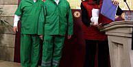 CHP'li milletvekilleri destek için hastane personeli kıyafeti giydiler
