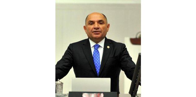 CHPli Tarhan, Milli Eğitim Bakanı Avcıya görevlerine iade edilmeyen okul yöneticilerini sordu