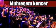Sınır Tanımayan Sanatçılardan muhteşem konser