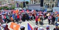 Davutoğlu: Altılı çeteye karşı mücadele ediyoruz