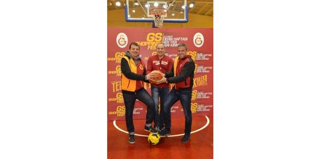 Derbi haftası girilirken, Galatasarayın kurmayları Floryada buluştu