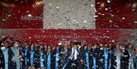 Diş hekimi adaylarının mezuniyet coşkusu