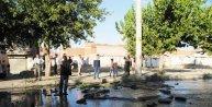 Diyarbakırda rögar kapağının patlaması korkuttu