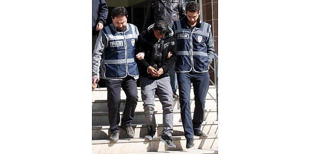 Dolandırıcı Otogarda Yakalandı