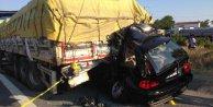 Emniyet şeridindeki TIRa çarpan cipin sürücüsü öldü