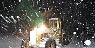 Erdemlide Kar Nedeniyle 20 Tır Yolda Mahsur Kaldı