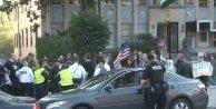 Ermeniler Washingtonda Türk bayrağına saldırdı