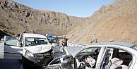Erzincanda Kaza:  1 Ölü, 7 Yaralı