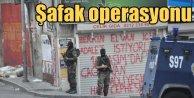 Esenyurt'ta terör operasyonu: Çok sayıda ev basıldı