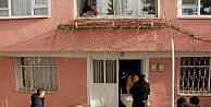 Eşini öldürüp polise teslim oldu (2)