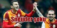 Galatasaray'da Sneijder satılıyor mu? Taraftar öfkeli,