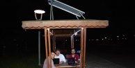 Güneş panelli akıllı kameriye