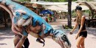 Güzeller Dinoparkta eğlendi