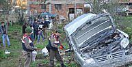 Hafif Ticari Araç Bahçeye Uçtu:1 Ölü, 5 Yaralı