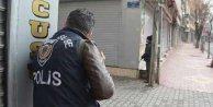 Hakkari'de yüzü maskeli gruplar polise saldırdı