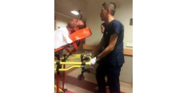 Hastane basıp acil servis doktorunu dövdüler