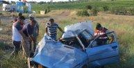 İki otomobil çarpıştı: 1 ölü 3 yaralı