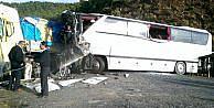 İşçi taşıyan otobüsle TIR çarpıştı: 4 ölü, 47 yaralı (3)